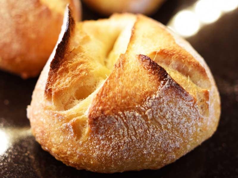 プチカマンベール BOULANGER PATISSIER y'KUNIEDA (ワイクニエダ)は岐阜県大垣市にある 自家製天然酵母パンとケーキのお店です。