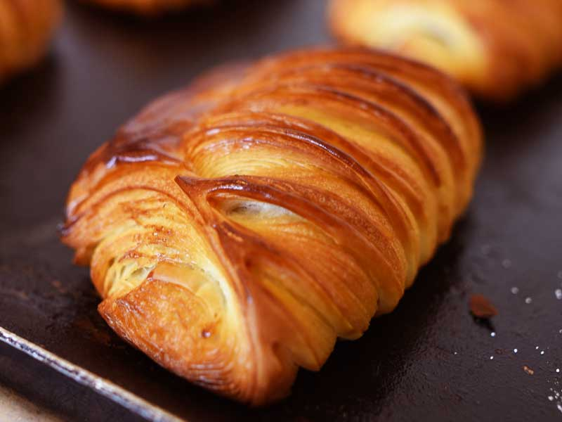 パン・オ・ショコラ BOULANGER PATISSIER y'KUNIEDA (ワイクニエダ)は岐阜県大垣市にある 自家製天然酵母パンとケーキのお店です。