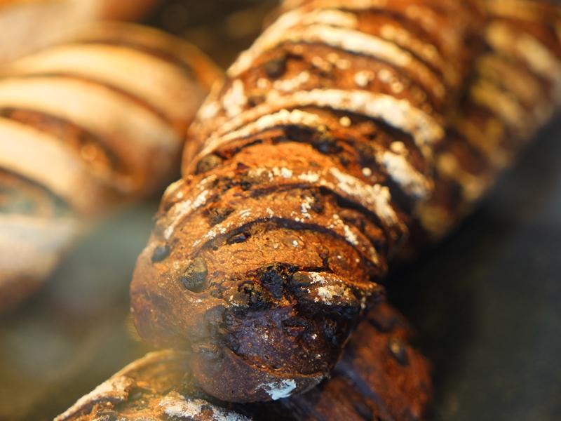ショコラショコラ BOULANGER PATISSIER y'KUNIEDA (ワイクニエダ)は岐阜県大垣市にある 自家製酵母パンとケーキのお店です。