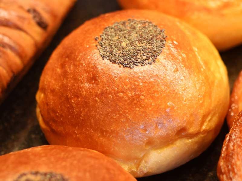 和菓子屋さんのあんぱん BOULANGER PATISSIER y'KUNIEDA (ワイクニエダ)は岐阜県大垣市にある 自家製天然酵母パンとケーキのお店です。