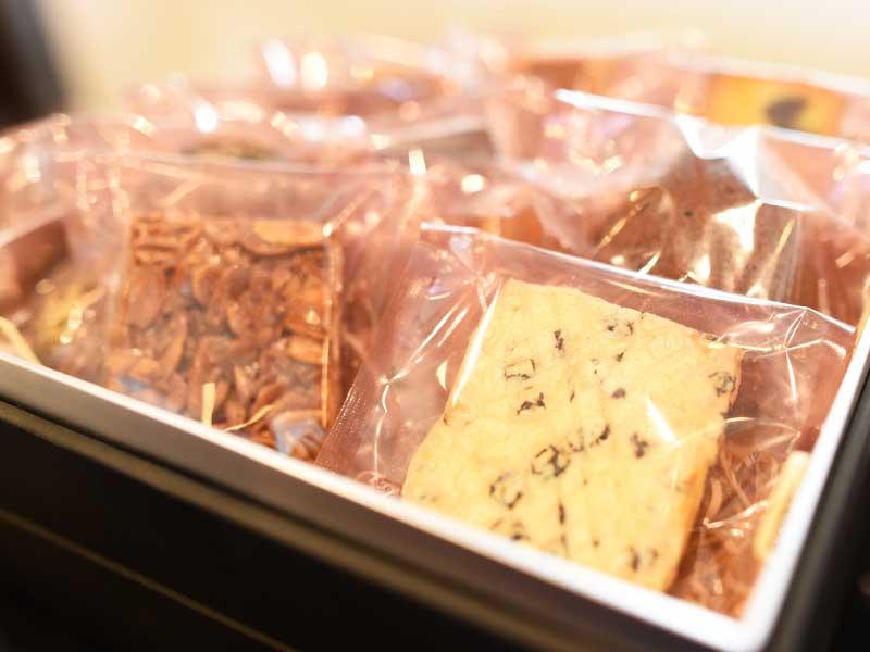 焼き菓子の詰め合わせ BOULANGER PATISSIER y'KUNIEDA (ワイクニエダ)は岐阜県大垣市にある 自家製天然酵母パンとケーキのお店です。